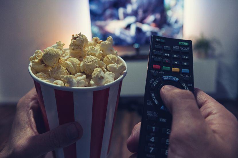 Volite da gledate filmove, a novčanik vam se stanjio? Evo načina da spojite lepo i korisno - Biznis Telegraf.rs
