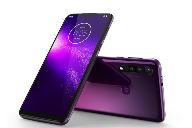 Ponuda koja se ne propušta: Platite jedan, a dobijete 2 Motorola telefona thumbnail