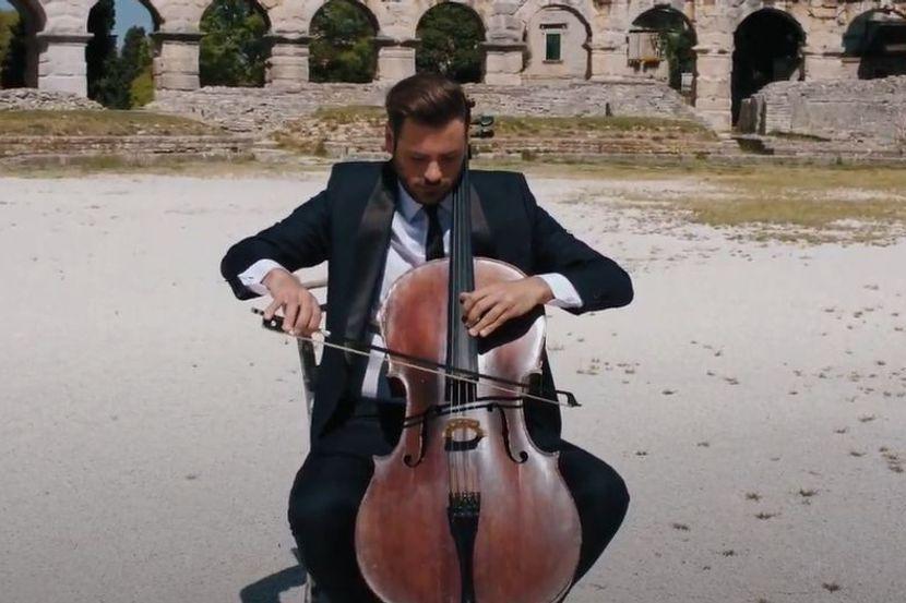Hauserova magija u praznoj pulskoj Areni: Čuveni muzičar priredio ...